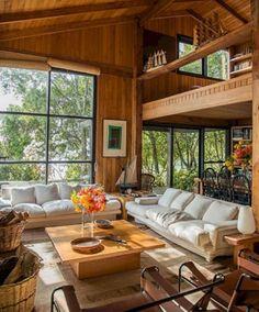 Stunning Living Room Design With Farmhouse Style Atemberaubendes Wohnzimmerdesign im Bauernhausstil Cabin Homes, Log Homes, Living Room Interior, Home Interior Design, A Frame House, Home Fashion, Living Room Designs, Living Spaces, Farmhouse Style