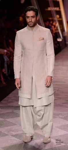 Gazi in Tarun Tahiliani., the subtle cuts ! Mens Indian Wear, Mens Ethnic Wear, Indian Groom Wear, Indian Men Fashion, Indian Bridal Fashion, Indian Wedding Outfits, India Fashion, Muslim Fashion, Bollywood Fashion