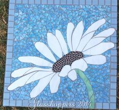 Daisy stepping stone by Glasshoppers