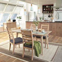 いいね!4,464件、コメント2件 ― 「お、ねだん以上。」ニトリ公式アカウントさん(@nitori_official)のInstagramアカウント: 「🌿Natural Modern🌿 #ダイニング . 天然木の家具とインテリアグリーンに囲まれたシンプルなスタイルは、 家族のあつまるダイニングルームにもぴったり。 . ぜひあなたのニトリコーデ…」 Outdoor Furniture Sets, Outdoor Decor, Nitori, Dining Table, Home Decor, Instagram, Decoration Home, Room Decor, Dinner Table