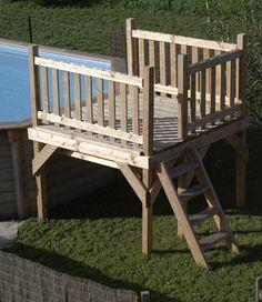 deck de piscine hors terre avec une petite terrasse circulaire patios en bois piscine. Black Bedroom Furniture Sets. Home Design Ideas