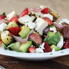 This Grilled Onion Roasted Potato Strawberry Spinach Salad with a Balsamic Lemon Thyme Reduction drizzle is the perfect gourmet summer salad! And it's easy! Crispy Baked Potatoes, Roasted Potatoes, Spinach Strawberry Salad, Spinach Salad, Strawberry Icing, Easy Salads, Summer Salads, Lemon Potatoes, Thing 1