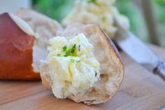 Der Erdäpfelkäse ist der ideale Partyaufstrich. Nach diesem Rezept werden Ihre Gäste Sie fragen.