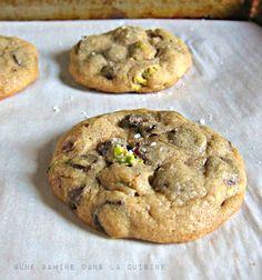 salted pistachio & orange chocolate chip cookies |une gamine dans la cuisine