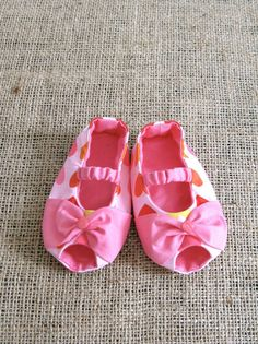 Bowie Baby Shoes  PDF Pattern  Newborn to 18 by littleshoespattern, $4.50