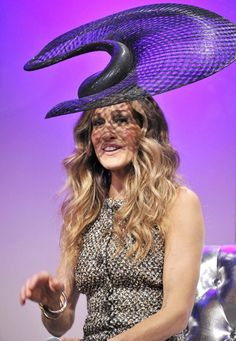 Sarah Jessica Parker Picture 117 - Sarah Jessica Parker Wearing A Hat Designed by Philip Treacy at The VRC Oaks Club Ladies Luncheon Philip Treacy Hats, Fascinator Hats, Fascinators, Headpieces, Ladies Luncheon, Star Wars, Fancy Hats, Wearing A Hat, Wedding Hats