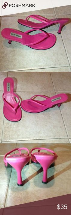 """Steve Madden Gumdrop Bright Pink Leather Sandals This a very wonderful pair of shoes by Steve Madden. The shoes are slip on, thong style called """"Gumdrop"""". They are in bright pink and are in excellent used condition. Size 8.5B. Steve Madden Shoes Sandals"""