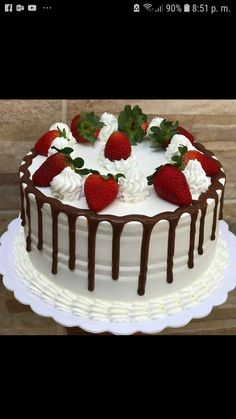 ideas fruit cake ideas birthday dessert recipes for 2019 Creative Cake Decorating, Birthday Cake Decorating, Creative Cakes, Fruit Birthday Cake, Birthday Desserts, Cake Recipes, Dessert Recipes, Strawberry Cakes, Specialty Cakes