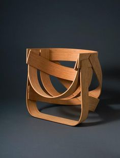 The Bamboestoel (Dutch for Bamboo Chair), by Tejo Remy and Rene Veenhuizen, is a great chair design that captures the potential of a fascinating and versatile material. Minimalist Architecture, Architecture Design, Chair Design, Furniture Design, Do It Yourself Design, Floating Garden, Bamboo Furniture, Nomadic Furniture, Bamboo Chairs
