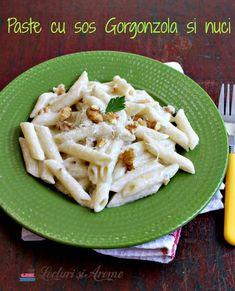 Paste cu sos din brânză Gorgonzola și nuci.O rețeta de paste, simplă și rapidă.Usor de făcut, perfectă pentru vară cand vrei să stai mai puțin în bucătărie Pasta Salad, Foodies, Food And Drink, Meat, Chicken, Ethnic Recipes, Crab Pasta Salad, Cold Noodle Salads, Noodle Salads