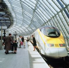 London to Paris by train...2 hrs 15 mins trip? Can we say day trip? Not to mention...........(please visit next post)