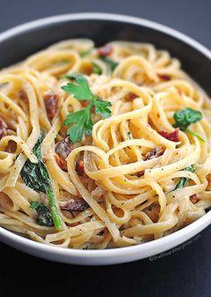 Bacon and Spinach Fettuccine Alfredo Recipe