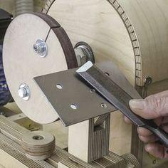 Cómo hacer una rueda para esmeril casera. #ruedaesmeril #esmeril #afilar #plantilla #taller #sierrademesa #sierra #planossierrademesa #planoscarpinteria #carpinteria #hazlotu #madera #marcenaria #casero #comohacer