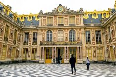 Photo Timeline of Western Architecture: Baroque Baroque Architecture, Beautiful Architecture, Architecture Design, Classic Architecture, Visit Versailles, Palace Of Versailles, Renaissance Artworks, Photo Timeline, Day Trip From Paris