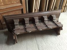 Antiek houten bovendien van sierschouw ..... Te koop bij Medussa Heist op den berg