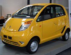 टाटा नैनो: टाटा मोटर्स की महत्वाकांक्षी कार नैनो भारत की सबसे सस्ती कार है। शुरू में इस लखटकिया का