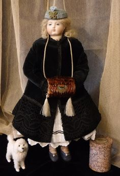 Feather Muff For French Fashion Doll.  I want to try & make one of these - I think they are so beautiful