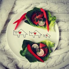 Healthy snack on porcelain plate from 'Noso Basic' collection