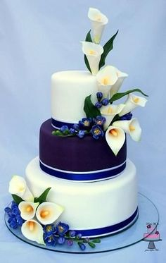 3 tiered cake design,calla lily and freesia - Beautiful Wedding Cakes, Gorgeous Cakes, Pretty Cakes, Amazing Cakes, Unique Cakes, Elegant Cakes, Wedding Cake Designs, Fancy Cakes, Love Cake