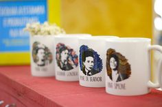 Coleção mulheres.   Estande Mimu - Evento Minha Arte no MON   #caneca #mug #presente #gift  #womanpower #girlpower #empoderamento #feminist #feminismo #poder #mulher #pintora #arte #frida #estande #pallet #decoração #bazar #ideia #frida #chiquinha #gonzaga #nina #simone #simone #beauvoir #elza #soares
