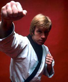 Chuck Norris Korean Martial Arts, Kung Fu Martial Arts, Martial Arts Movies, Martial Artists, Chuck Norris Movies, Chuck Norris Funny, Bruce Lee, Karate, Walker Texas Rangers