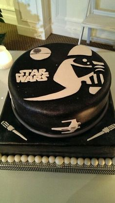 """Star Wars"" groom's cake"