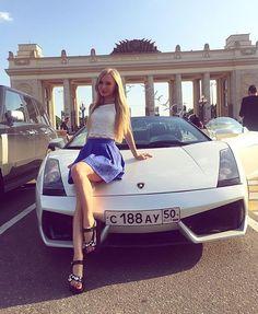 екатеринбург блондинка в ламборджини