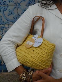 https://flic.kr/p/uHmp6k | by me l byGuizo (facebook) | hand-made baskets - ice cream color collection cotton l leather in pineapple... l ref. CTAN-009 800 gramas bem pesados NICE