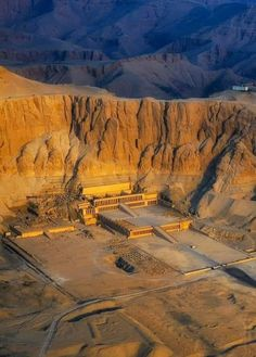 Hatshepsut temple in Deir el Bahri is one of the most famous mortuary temples, not only of the New Kingdom, but of the History of Egypt Egyptian Temple, Ancient Egyptian Art, Ancient Ruins, Ancient Artifacts, Ancient History, Stonehenge, Ancient Egyptian Architecture, Iran Pictures, Old Egypt
