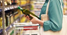 If you cleaned out your pantry and stumbled across a bottle of olive oil, you may wonder whether it's OK to use it. This article reviews whether olive oil goes bad. Healthy Meals To Cook, Healthy Cooking, Healthy Recipes, Healthy Eating, Healthy Food, Cooking Tips, Easy Meals, Olive Oil Price, Olive Oil Brands