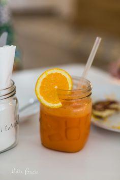 BETTY BLUE BISTRO   Yellow juice #freshjuice #yellowjuice #juice #orange #lindafouriephotography #restaurant #bistro #freshjuice #bettybluebistro Betty Blue, Orange, Yellow, Juice, Restaurant, Food, Twist Restaurant, Juicing, Meal