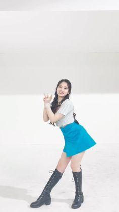 Kpop Girl Groups, Korean Girl Groups, Kpop Girls, Hip Hop Dance Videos, Dance Choreography Videos, Twice Video, Dance Kpop, Kpop Girl Bands, Chaeyoung Twice