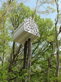 A Birdhouse for Humans and Birds: Bird-Apartment Treehouse by Nendo - Design Milk Modern Tree House, Cool Tree Houses, Tree House Designs, Farmhouse Side Table, Home Upgrades, Farmhouse Design, Architecture Design, Minimal Architecture, Pergola