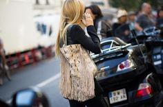 #parisfashionweek #Streetstyle #bag #tote #fringe #animalprint