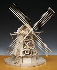 Amati Dutch Windmill houten model 1:30 Bouwpakket van het merk Amati, dit model moet nog geheel worden gebouwd en bestaat hoofdzakelijk uit hout. U heeft enkel nog lijm en een hobbymesje nodig om d ..