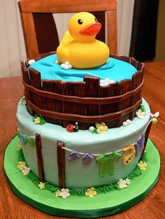Rubber duck baby shower cake, I absolutely love this cake.