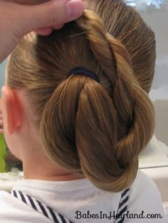 4 Valuable Tips: Pixie Hairstyles For Teens black women hairstyles for prom.Pixie Hairstyles For Teens. Hairstyles With Glasses, Older Women Hairstyles, Feathered Hairstyles, Indian Hairstyles, Ponytail Hairstyles, Vintage Hairstyles, Hairstyles With Bangs, Bun Hairstyle, Brunette Hairstyles