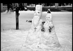 Snow priest and preoteasa! Just need enough snow on the church yard. Christmas Blessings, Priest, Christianity, Blessed, Outdoor Decor, Fun, Photography, Life, Yard