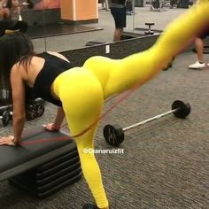 """251 Likes, 3 Comments - TheXBands (@thexbands) on Instagram: """"Happy hump day try these booty building exercises from @dianaruizfit Good morning Familia  Some…"""""""