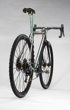 // Ti-Carbon Gravel Crusher // by fireflybicycles Cycling Gear, Road Cycling, Bicycle Garage, Commuter Bike, Cargo Bike, Road Bikes, Bike Life, Mountain Biking, Cyclocross Bikes