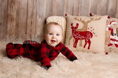Baby's first Christmas. Carson Gray. www.ashleybellephotography.com #newbornphotography #babysfirstchristmas #6monthpictures