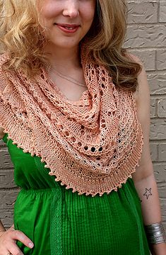 I'm currently knitting this pattern, I can't wait to wear the finished product this spring!!!