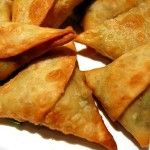 Samosas is a delicious food from Ethiopia. Learn to cook Samosas and enjoy traditional food recipes from Ethiopia. Indian Food Recipes, Beef Recipes, Cooking Recipes, Ethnic Recipes, Cooking Ribs, Learn To Cook, Food To Make, Ethiopian Cuisine, Ethiopian Recipes