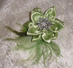 Satin Fabric Flower Pin Brooch Jewelery Accessory Womand Miss Teen Wedding Lime Green Mint