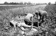 WW I burial in the battle field