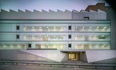 Krankenhaus in Nordspanien / Blech, Beton und ein Sheddach - Architektur und Architekten - News / Meldungen / Nachrichten - BauNetz.de