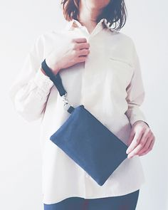 Denim wristlet purse. Simple design is more eco friendly and truly zero waste. It has two compartments inside which I know many will appreciate ☺️ #purses #wristletpurse #denimpurse #veganpurses #veganbags #creativelifehappylife #creativewomen #creativebusiness #creativedesign #creativepreneur #livecreatively #dowhatyoulove #vegan #veganlife #crueltyfree #vegansofig #veganfriendly #solopreneur #handcraft #handmadeisbetter #handmade #supporthandmade