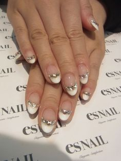 Oh my gosh I love this revamped french mani! And almond shaped nails are so in this summer