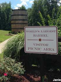 Bardstown, KY - World's Largest Bourbon Barrel