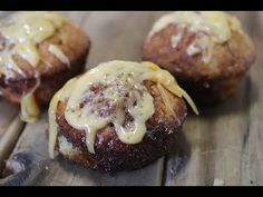 Smul saam met Maroela: Marmite-muffins Muffin Recipes, Bread Recipes, Cooking Recipes, South African Recipes, Ethnic Recipes, Vegemite Recipes, Marmite, Breakfast Muffins, Snacks
